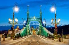 Liberty Bridge dopo il tramonto, Budapest, Ungheria Immagini Stock Libere da Diritti