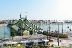 Liberty Bridge i Budapest, Ungern Arkivbilder