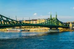 Liberty Bridge i Budapest, Ungern arkivfoton