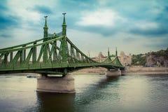 Liberty Bridge i Budapest, Ungern Arkivfoto