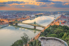 Liberty Bridge i Budapest, Ungern Royaltyfria Foton