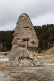 Liberty Cap en Mammoth Hot Springs Foto de archivo