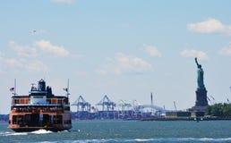 Liberty Island Ferry Immagini Stock Libere da Diritti