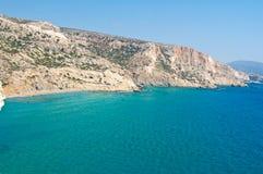 Libijski morze i czerwona plaża blisko Matala wyrzucać na brzeg na Crete wyspie, Grecja zdjęcie stock