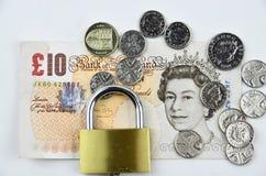 Libras británicas con el candado Fotografía de archivo libre de regalías