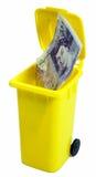 20 libras de nota em um lixo Imagens de Stock Royalty Free