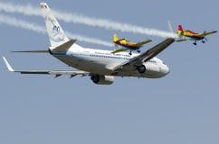 Librea retra de Tarom Boeing 737 Imagen de archivo libre de regalías