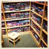 Librería con los libros usados Imagenes de archivo
