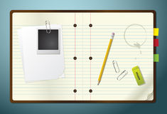 Libreta con el lápiz, el borrador y los Paperclips Imagen de archivo