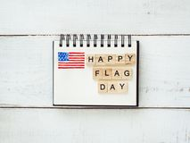 Libreta con enhorabuena el día de la bandera imagen de archivo libre de regalías
