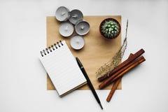 Libreta en blanco en el fondo blanco fotografía de archivo libre de regalías