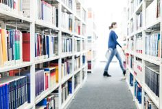 Libri ad una libreria di università Immagini Stock