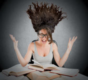 Libri di studio stressanti Fotografie Stock