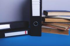 Libri e formazione fotografia stock libera da diritti