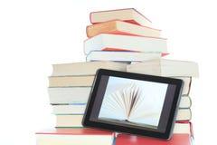 Libri e lettore fotografie stock