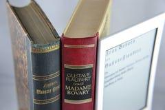 Libri e libro elettronico Immagini Stock Libere da Diritti