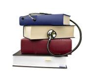 Libri e stetoscopio immagine stock libera da diritti