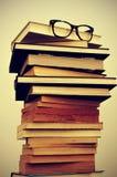 Libri ed occhiali Fotografia Stock Libera da Diritti