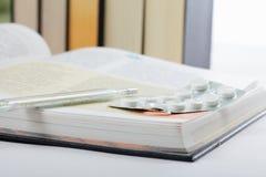Libri medici Fotografie Stock Libere da Diritti