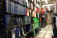Libri nella libreria di università Fotografie Stock Libere da Diritti
