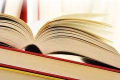 Libri sulla tabella Immagine Stock Libera da Diritti