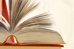 Libri sulla tabella Fotografia Stock Libera da Diritti