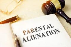 Libro acerca del alienationon parental imagen de archivo libre de regalías