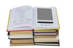 Libro aperto con il libro elettronico Fotografia Stock