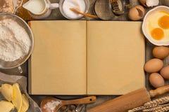 Libro in bianco di ricetta - cottura - spazio per testo fotografia stock libera da diritti