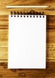 Libro Blanco con el lápiz Fotos de archivo libres de regalías