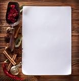 Libro Blanco con las especias Imagenes de archivo