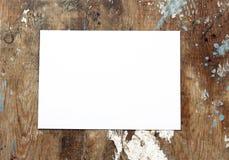 Libro Blanco en la madera Imagenes de archivo