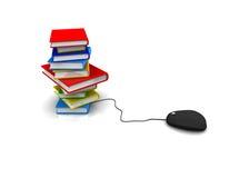 Libro con el ratón del ordenador Foto de archivo