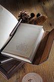 Libro con fondo d'annata Immagini Stock