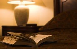 Libro con i vetri Fotografie Stock