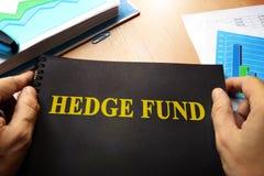 Libro con il hedge fund di nome immagini stock
