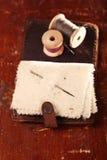 Libro de aguja de cuero del vintage fotografía de archivo libre de regalías
