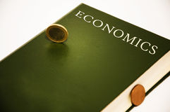 Libro de la economía Fotos de archivo