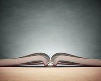 Libro de la pizarra Imagen de archivo libre de regalías