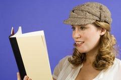 Libro de lectura Imágenes de archivo libres de regalías