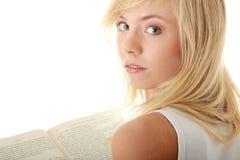 Libro de lectura adolescente de la mujer Imagenes de archivo