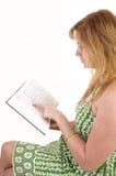 Libro de lectura de la muchacha. Imagenes de archivo