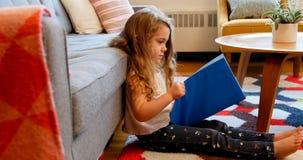 libro de lectura de la muchacha metrajes