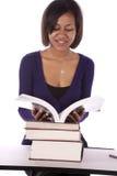 Libro de lectura del estudiante Foto de archivo libre de regalías