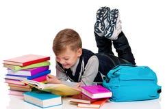 Libro de lectura del muchacho Imagen de archivo