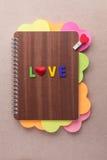Libro de los corazones para el día de tarjeta del día de San Valentín Foto de archivo libre de regalías