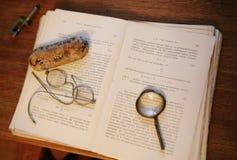 Libro de textos de Phisics. Foto de archivo libre de regalías