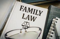 Libro del derecho de familia Concepto de la legislación y de la justicia Fotografía de archivo libre de regalías