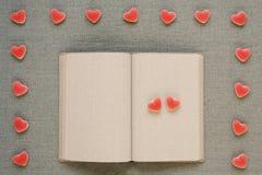 Libro del diario con los pequeños corazones Fotografía de archivo libre de regalías