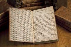 Libro dell'annata con l'iscrizione fotografia stock